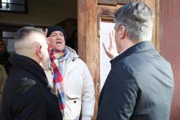 Kako je protekao izborni dan: Verbalni napad na Milanovića, sumnjivi SMS...